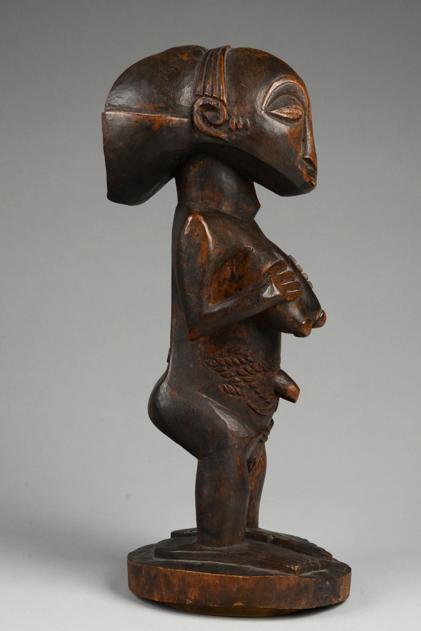 Standing female ancestor figure