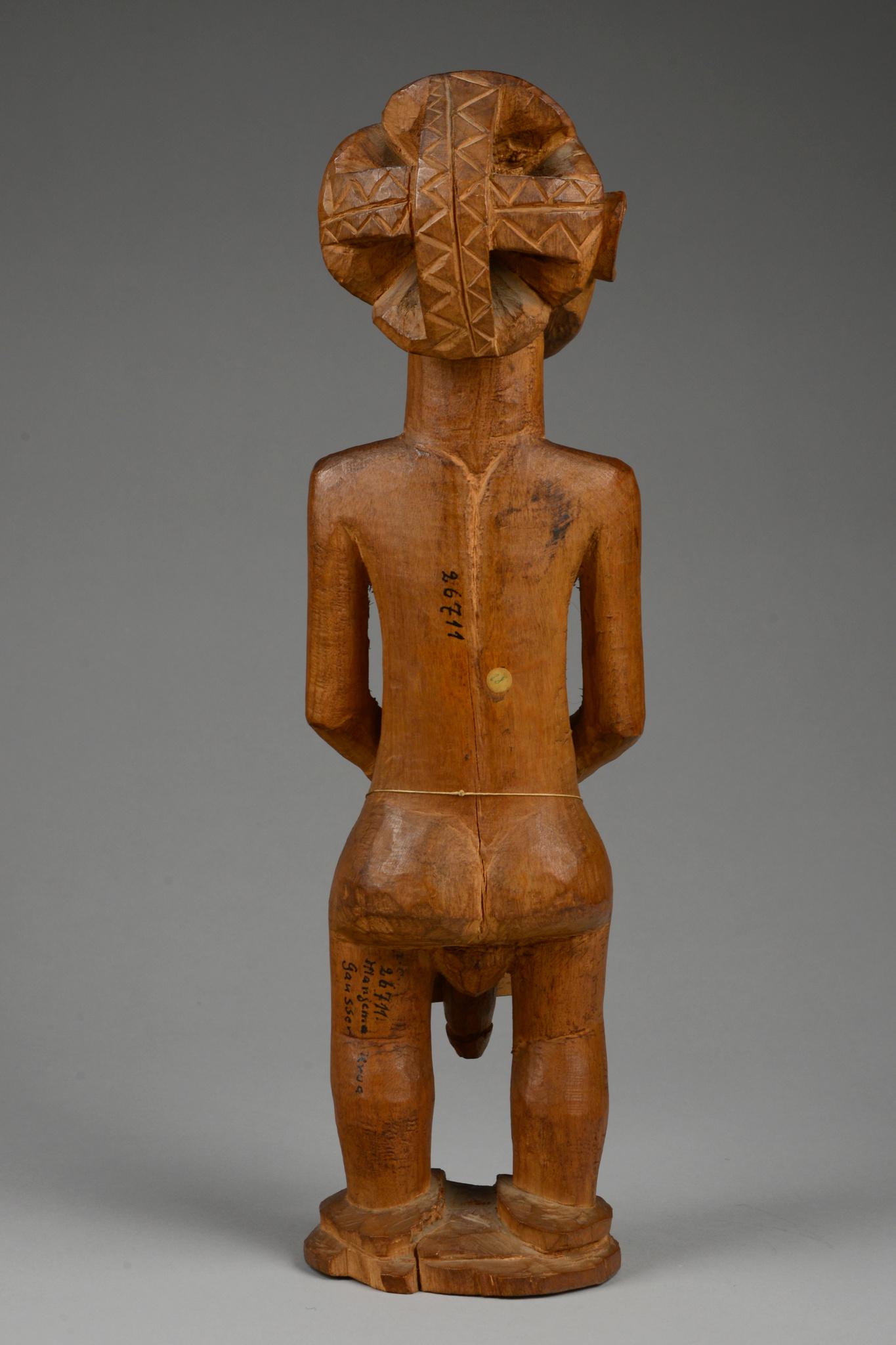 Standing male ancestor figure