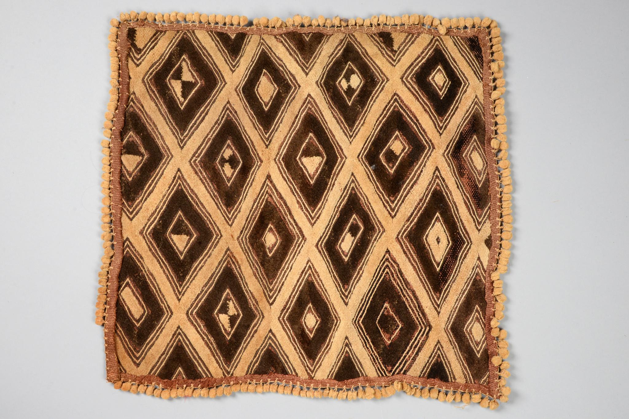 "Woven raffia fabric ""mbal"""
