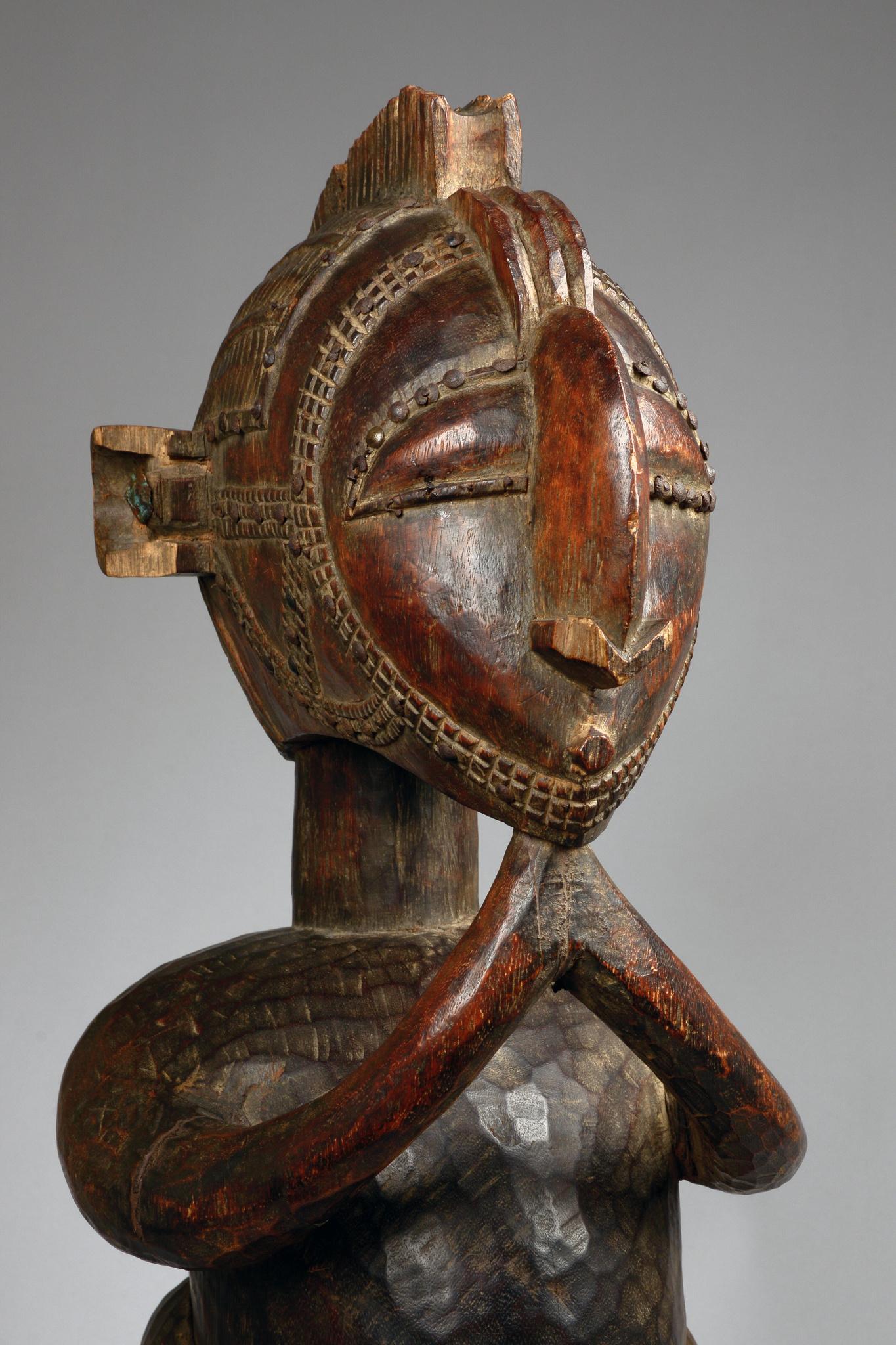 "Impressive male statue ""d'mba"" or ""nimba"""
