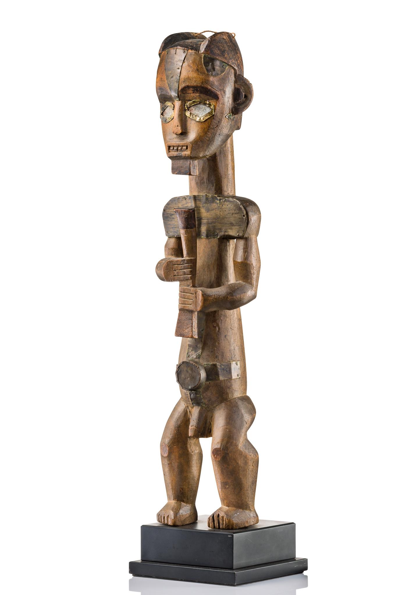"""Male guardian figure """"éyéma-o-byéri"""""""