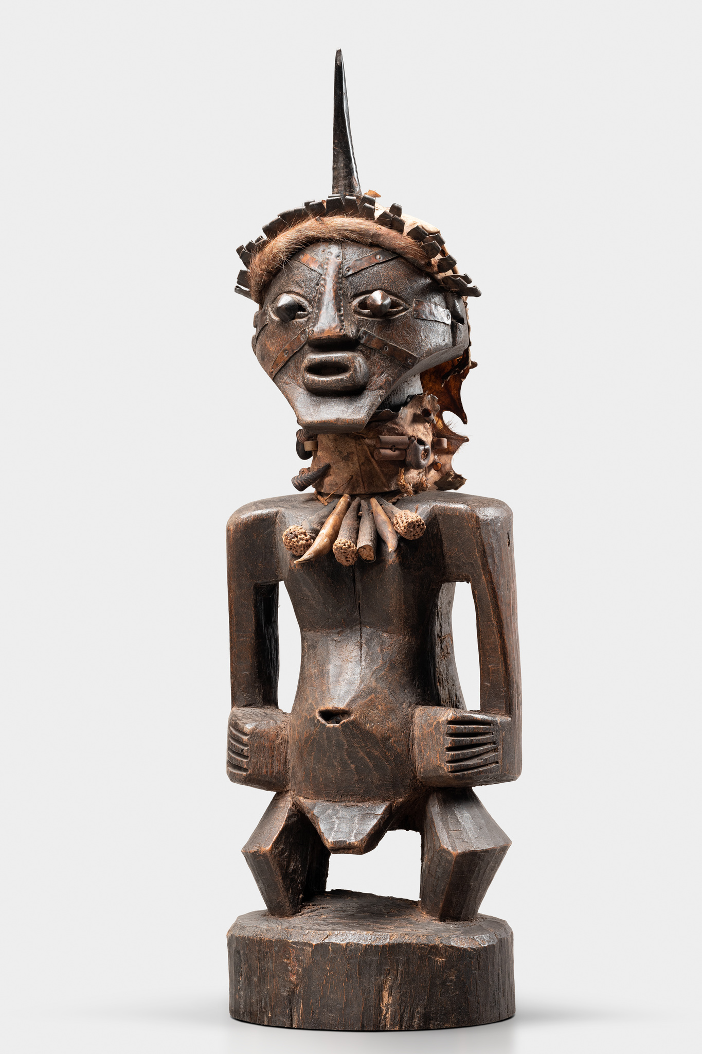 """Male magical figure """"nkisi"""" / """"nkishi"""" (pl. """"mankisi"""" / """"mankishi"""")"""